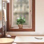 Kreacje okienne na miarę – kształty, kolory i przeszklenia