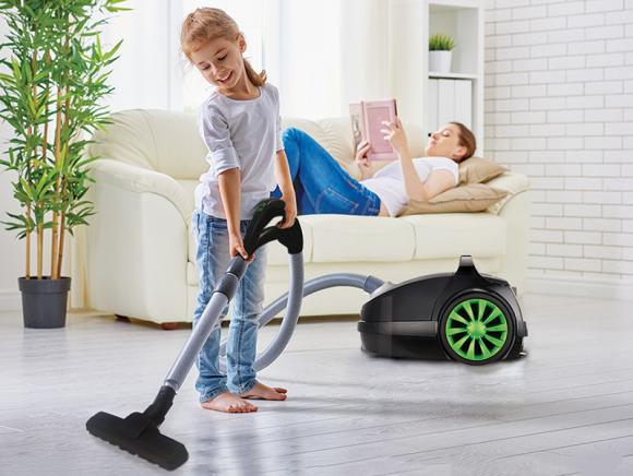 Najlepsze rozwiązanie na eko – odkurzanie! Dom, LIFESTYLE - Ekologiczny, funkcjonalny, energooszczędny – te 3 cechy łączy w sobie odkurzacz GreenGo. Poznaj nowość produktową marki MPM i odkurzaj jednocześnie oczyszczając powietrze w swoim domu. Wszystko dzięki 4-stopniowemu systemowi filtracji, na najwyższym poziomie.