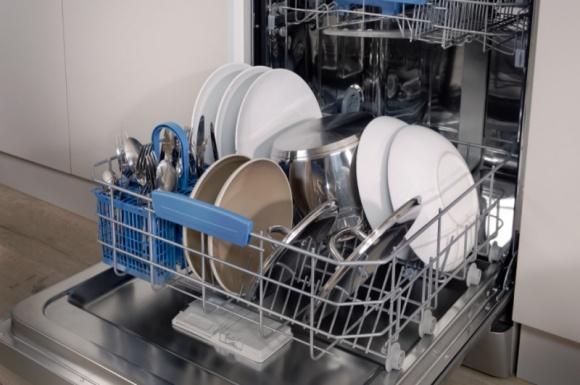 Codzienna konserwacja sprzętów AGD Dom, LIFESTYLE - Zaniedbania i niewłaściwe użytkowanie sprzętów AGD przyczyniają się do znacznego skrócenia ich żywotności, ale jednocześnie do większego poboru energii potrzebnej do ich pracy.